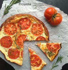 Fritatta med tomat, rosmarin & hytteost