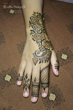 ber ideen zu henna tattoo fu auf pinterest henna designs henna und mehndi designs. Black Bedroom Furniture Sets. Home Design Ideas