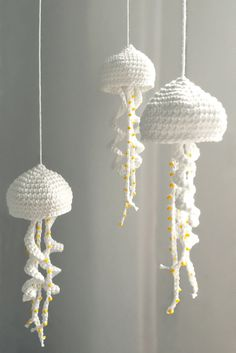 The jellyfish pattern is one of 16 quick, flattering, decorative or just fun projects from my crochet booklet for beginners and returners (published by Gräfe & Unzer in 2014 – the book is… Knitting PatternsKnitting HumorCrochet BlanketCrochet Ideas Crochet Baby Mobiles, Crochet Mobile, Crochet Gifts, Crochet Toys, Free Crochet, Beginner Crochet, Knit Crochet, Easy Knitting Projects, Crochet Projects