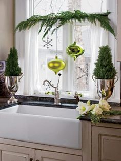 30 Cool Green Christmas Decorations | DigsDigs