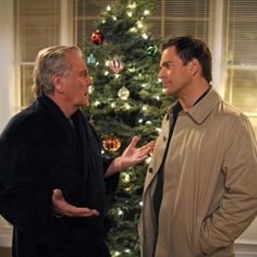 NCIS-- Robert Wagner plays Tony's Dad  Another great fit in the part of Tony's dad.