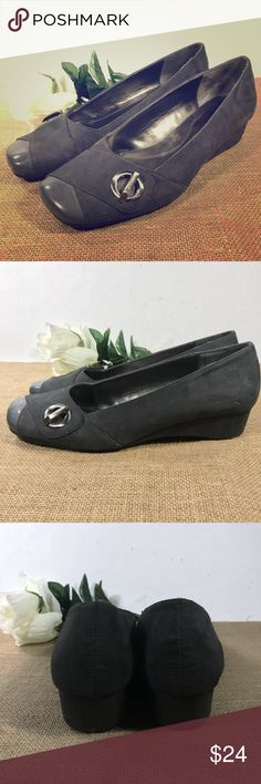 Womens 9.5 Dark Grey Wedge Loafers by Naturalizer Naturalizer Prospect Dark Grey Wedge Loafers  US Womens Size 9 M  These are in great condition! There is one small scuff on toe of left shoe. Naturalizer Shoes Wedges