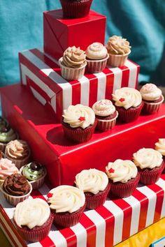 Carnival/Circus Birthday Party cupcake display idea The Little Umbrella
