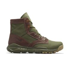 07337c2c214f Joining Nike Sportswear s SFB Mountain as a nod to founder Bill Bowerman s  military service is the latest addition to the SFB line-up  the SFB Field  Boot.