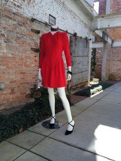 Matilda is wearing Pauline Trigere dress 80's from Bergdorf Goodman. Size 6.