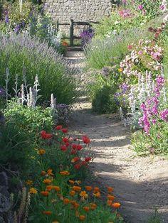 Le jardin de Papy, un endroit majestueux à découvrir derrière la chapelle Notre Dame des Fleurs à Plouharnel