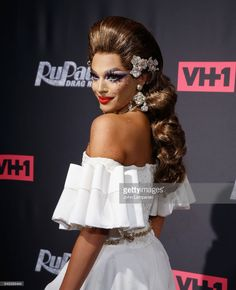 aValentina ttends 'RuPaul's Drag Race' season 9 premiere party & meet The Queens Event at PlayStation Theater on March 7, 2017 in New York City.