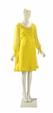 Elizabeth Taylor's Irene Sharaff Sunflower Yellow Silk Chiffon Wedding Dress, which she wore to her first marriage to Richard Burton. Elizabeth Taylor, Yellow Wedding Dress, Yellow Dress, Yellow Weddings, Wedding Dresses, Costume Hollywood, Hollywood Gowns, Silk Chiffon, Chiffon Dress
