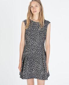 ショートスリーブジャガードドレス