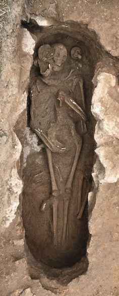 Esqueletos de la Necropolis bizantina, del siglo VII d.C. aproximadamente, durante la dominación bizantina de las Islas (Formentera)