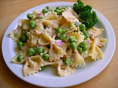 Tuna Pasta Salad with Peas. tasty, cheap, and easy. Tried it on a bed of baby kale.