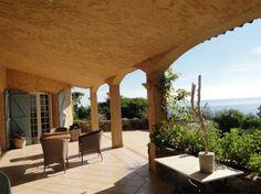 Magnifique propriété avec de très belles prestations et vue mer panoramique en Corse du Sud