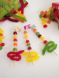 mousehouse: Easy Kids Party Ideas- lolly kebabs