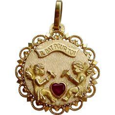 Rare Vintage French 18K Gold Charm Pendant IL Bat Pour Toi Ruby Set Heart