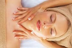 Treat yourself to a massage & facial once a month to improve circulation which will open the pores & release toxins from your body. European Facial, Spa Deals, Improve Circulation, Lighten Skin, Did You Know, Beauty Makeup, Skin Care, Tips, Massage