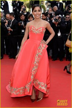 Frieda Pinto wearing Oscar de la Renta with Jimmy Choo heels - Cannes 2014