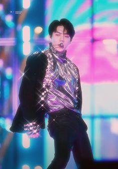 #sehun #ohsehun #exo #90s #80s #edit #aesthetic Baekhyun, Exo Lockscreen, Kpop Exo, Exo Members, Kpop Aesthetic, Aesthetic People, Mamamoo, K Idols, Winwin