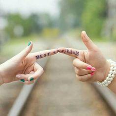 L'amitié c'est le motnle plus simple mais le plu dur à trouver