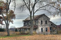Abandoned farmhouse; Ste Genevieve Missouri