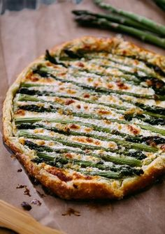 Perfect for Thanksgiving Eve dinner party! Yummmm-O Asparagus Goat Cheese Galette. I'm in an asparagus state of mind. I Love Food, Good Food, Yummy Food, Vegetarian Recipes, Cooking Recipes, Healthy Recipes, Vegan Meals, Easy Cooking, Grilling Recipes