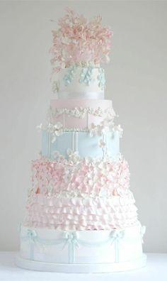 Breathtaking Wedding Cakes from Cakes by Krishanthi Part II Extravagant Wedding Cakes, Beautiful Wedding Cakes, Gorgeous Cakes, Pretty Cakes, Magical Wedding, Amazing Cakes, Beautiful Cake Pictures, Pastel Cakes, Wedding Cake Fresh Flowers