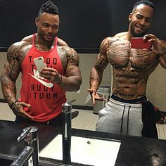 Double fineness...sexiness all in one ROOM...WOW!!