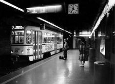 Op 25 maart 1975 werd de  eerste pre-metro tramlijn tussen het Centraal Station en de Groenplaats  geopend.