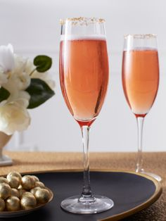Recipe: Fizzy Pomegranate Champagne Punch