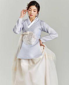 한복 hanbok : korean traditional clothes dress 한복 (classic & m Korean Fashion Pastel, Korean Fashion Teen, Korean Fashion Ulzzang, Korean Fashion Dress, Korean Fashion Winter, Korean Dress, Korean Street Fashion, Korean Outfits, Asian Fashion