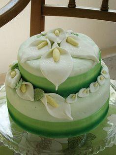 Fondant Birthday Cakes For Beginners   Fondant Cake With Flowers fondant cake with flowers 2 – Cake Ideas