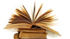 Bazen bir yazar icin oluruz, bazen aradiginiz bilgiyi bulabilmek icin, bazen ask ve ihtiras da kendinizi bulmak , bazen de sadece oylesine okumak icin.