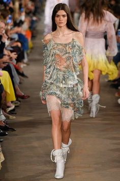 Philosophy di Lorenzo Serafini Spring 2017 Ready-to-Wear Fashion Show