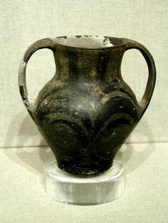 Chinese, Western Han Dynasty (206BC-AD8).  Height 5 in.