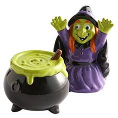 I love fun salt and pepper shakers. These are the Witch & Cauldron Salt & Pepper Shakers from #Pier1 $12.95