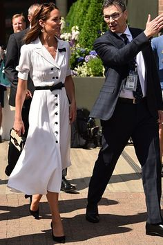 That Kate Middleton Christening Look: Her Style Has Hit a New High Kate Middleton Style Dresses, Looks Kate Middleton, Pippa Middleton, Classic Feminine Style, Classic Style Women, Classy Style, Sophisticated Style, Cowgirl Style Outfits, Casual Fall Outfits
