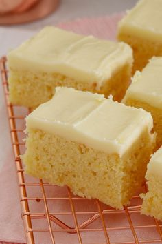 Easy Lemon Slice The easiest and most delicious baked Lemon Slice ever. with the BEST creamy & tangy lemon frosting - this is such a quick, simple and classic recipe. Tray Bake Recipes, Baking Recipes, Cake Recipes, Dessert Recipes, Buffet Recipes, Dessert Ideas, Lemon Desserts, Delicious Desserts, Lemon Cakes