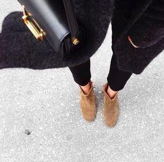 Isabel Marant Dicker Boots | Vestiaire Collective Instagram