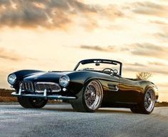Would love to have this car at one point in my life. The BMW 507 isn't it wonderful? * What BMW model is your favorite? Bmw Z3, Suv Bmw, Bmw Cars, Bmw Z4 Roadster, Cars Auto, Bmw Classic Cars, Classic Sports Cars, Classy Cars, Sexy Cars