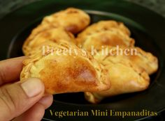 Preety's Kitchen: Vegetarian Mini Empanaditas / Finger Food / Party Appetizer ( With Pictures)