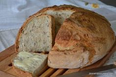 Paine de casa cu seminte Romanian Food, Good Food, Easy Meals, Food And Drink, Bread, Cooking, Recipes, Homesteading, Pizza