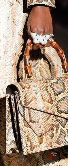 gucci handbags for women clearance Gucci Handbags, Luxury Handbags, Fashion Handbags, Purses And Handbags, Fashion Bags, Fashion Accessories, Designer Handbags, Gucci Fall 2017, Animal Print Fashion