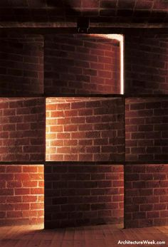 Brick Light by Eladio Dieste, Uruguayan engineer and architect. Brick Masonry, Masonry Wall, Brick Facade, Brick Wall, Brick Architecture, Architecture Details, Facade Lighting, Lighting Design, Brick Bonds