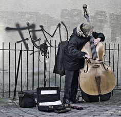 karaoke double bass in the freezing cold : montmartre by rockstro, via Flickr