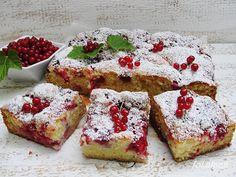 Ala piecze i gotuje: Ciasto jogurtowo kokosowe z owocami