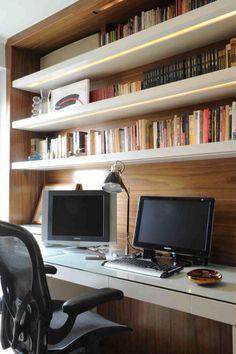 idee decoration bureau bois etagere