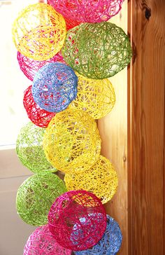Wire eggs, a sticky Easter decoration! - Wire eggs, a sticky Easter decoration! Spring Crafts For Kids, Diy For Kids, Diy And Crafts, Arts And Crafts, Free To Use Images, Easter Traditions, Yarn Ball, Traditional Decor, Craft Activities For Kids