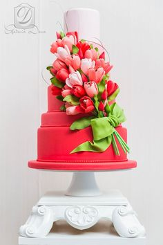 Gobble Up one of These Wedding Cakes - MODwedding Featured Wedding Cake: Cofetaria Dana