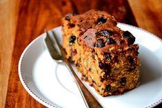 Irish Porter Cake - traditional Irish fruit cake, made with porter or stout. Rich and moist; perfect for St. Food Cakes, Cupcake Cakes, Fruit Cakes, Cupcakes, Irish Desserts, Irish Recipes, Scottish Recipes, California Pizza Kitchen, Saint Patrick