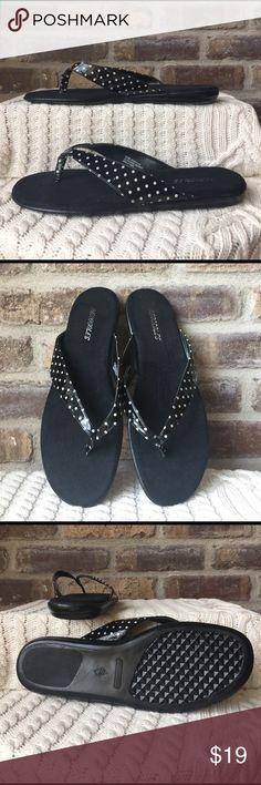 Aerosoles flip-flops Women's size 9 1/2 Aerosoles black-and-white polkadot flip-flops. They have been worn. AEROSOLES Shoes Sandals
