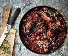 Krůtí stehna dušená v červeném víně | Recepty Albert Beef, Food, Meal, Essen, Hoods, Ox, Meals, Eten, Steak